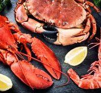 Tartare de crustacés aux saveurs exotiques, assaisonné à l'huile  légèrementvanillée et poivre Kampôt